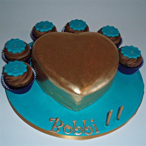 Heart of Gold Cake Set